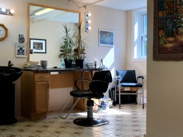 ハリファックスの床屋さんに行ってみた ② BB's Barbershop【男女可 コスパ・雰囲気良し】
